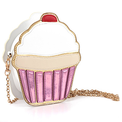 Statement Bag cap cake