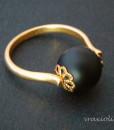 Δαχτυλιδι με μαυρη χαντρα.jpg