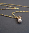 necklace crown with pearl