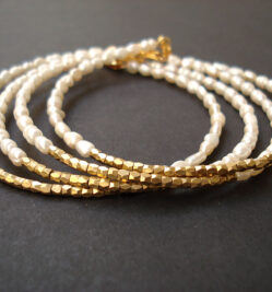 Bracelets with pearls