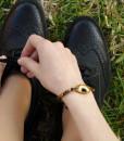 καλοκαιρινο βραχιολι ματάκι από πλεξιγκλάς και ημιπολύτιμες χάντρες