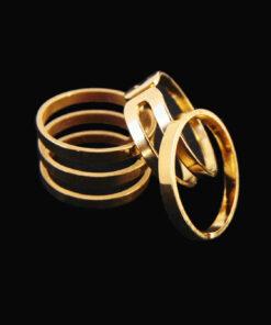 πολλα δαχτυλιδια μαζι